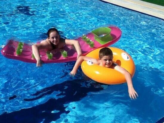 Club Aida: erin and daniel enjoying the pool