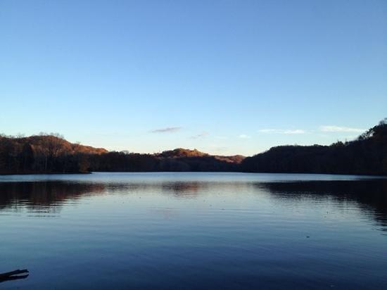 Radnor Lake State Park: Stunning views while walking around the lake