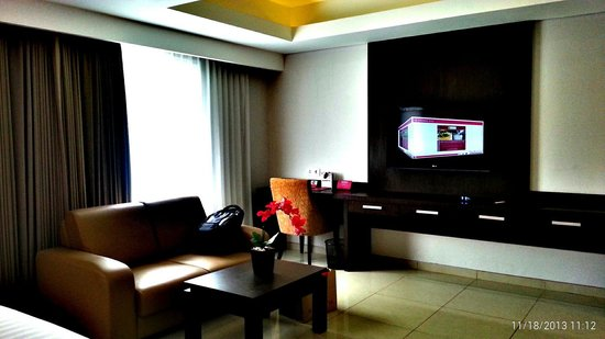 Crystal Kuta Hotel: My favourite for watching tv