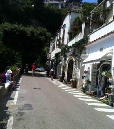 Discover Positano - Daily Tour : streets in Positano