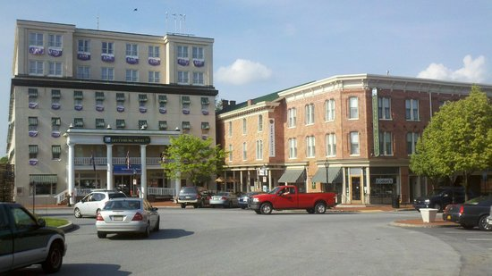 Front of the Gettysburg Hotel
