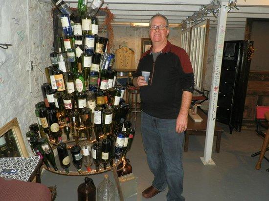 Old Jail Inn-Parke County: Drunk Tank Winery at Old Jail Inn