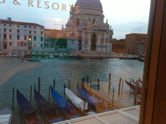 The Westin Europa & Regina, Venice : Amazing view from our room!