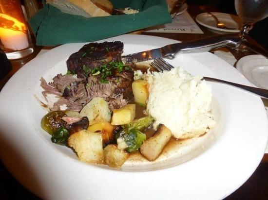 Harraseeket Inn : braised short ribs...yummmmm