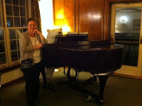 Harraseeket Inn: I met a very good piano player!