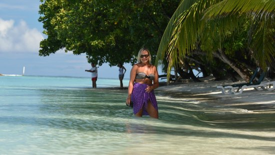 Vilamendhoo Island Resort & Spa: stunning beach