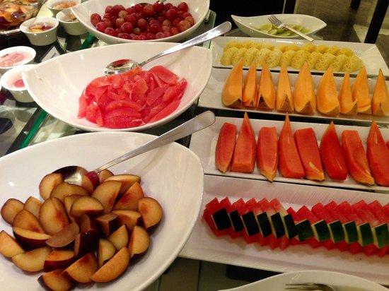 The Oberoi, Mumbai : Fresh fruit selection