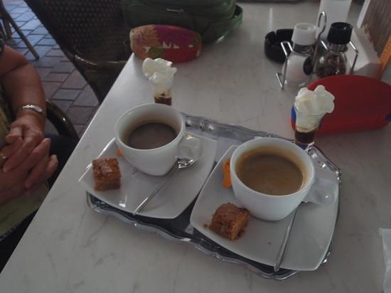 Taste of Belgium Restaurant: best coffee in aruba