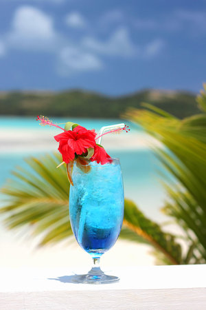 Samade on the Beach Restaurant & Bar: Blue lagoon by the blue lagoon