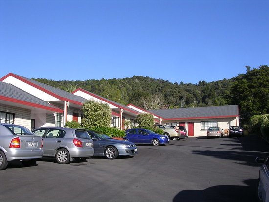 Bk's Pohutukawa Lodge: 2