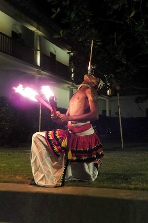 The Fortress Resort & Spa: Fire Dance