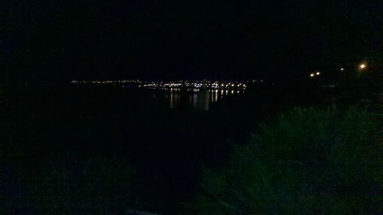 Waimahana Luxury Lakeside Apartments : Night view of lake from balcony