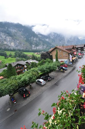 Hotel Oberland: View from Guest room balcony