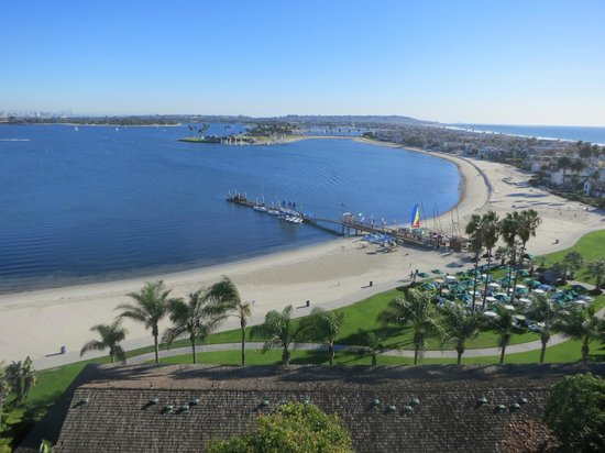 Catamaran Resort Hotel and Spa: View from 11th-floor hotel room of Mission Bay & Pacific Ocean.