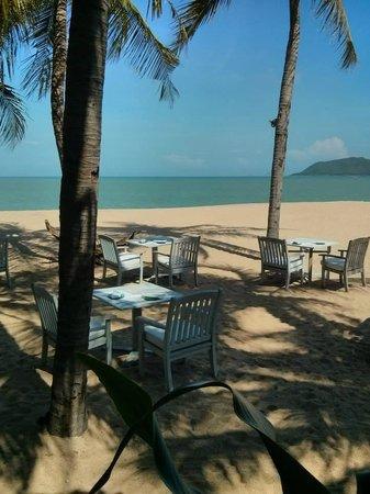 Evason Ana Mandara Nha Trang : The view from the beachfront restaurant.