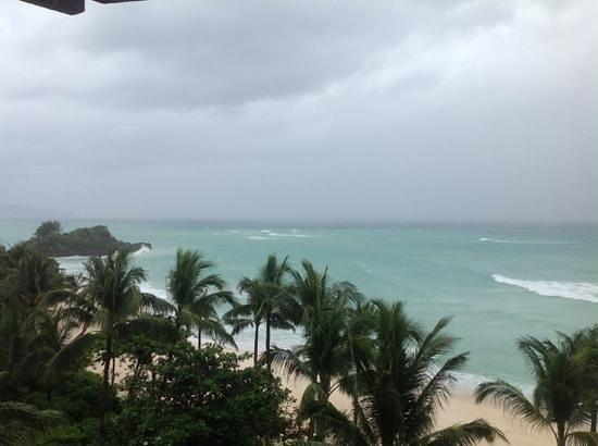 Shangri-La's Boracay Resort & Spa: typhoon yolanda at 2pm