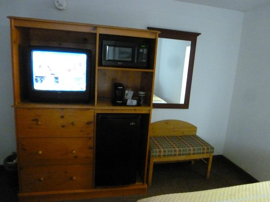 The Resort at Port Arrowhead: Entertainment Center