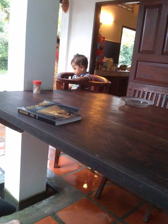 Channa's Angkor Homestay : Breakfast with a handsome you local hehe
