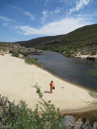 Oudrif: The beach on the river