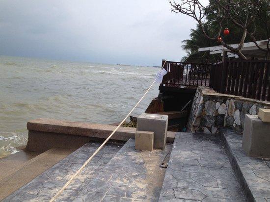 The Regent Cha Am Beach Resort: Plus de plage