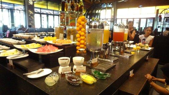 Meritus Pelangi Beach Resort & Spa, Langkawi: Breakfast