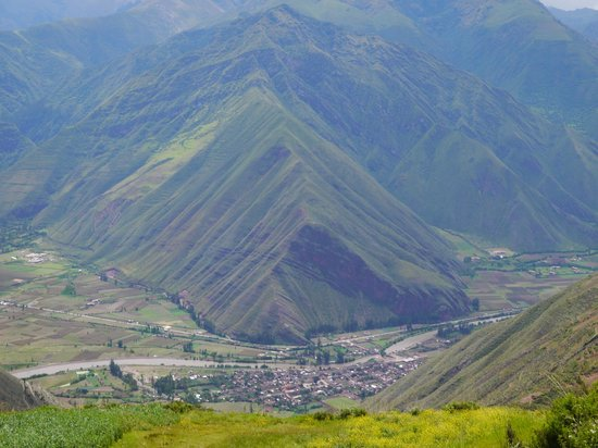 Tambo del Inka, A Luxury Collection Resort & Spa, Valle Sagrado: view of the valley on the way from Cuzco