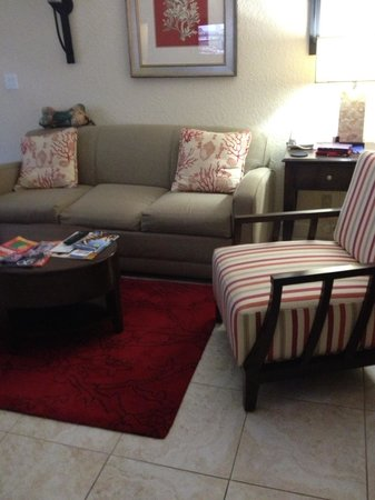 Wyndham Sea Gardens: Small living room uncomfortable seating