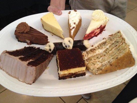 Eddie's Napoli's Italian Restaurant: Incredible desserts