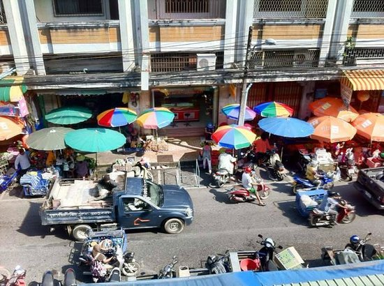 Hatyai GreenView: view from the top of the local market eating court