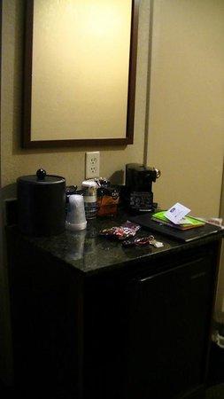 BEST WESTERN PLUS Heritage Inn : room area