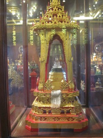 Wat Phra Kaeo (Temple of the Emerald Buddha): Crystal Buddha