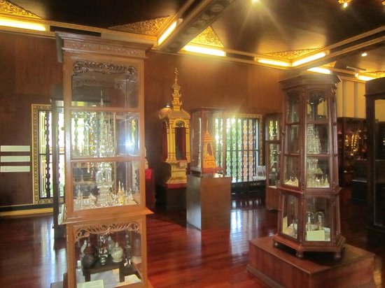 Wat Phra Kaeo (Temple of the Emerald Buddha): Informative Displays