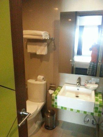 Heaven@4: toilet