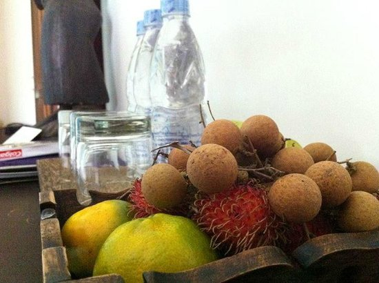 Navutu Dreams Resort & Wellness Retreat: love the fresh local fruits given