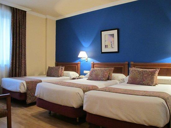 Hotel Comfort Dauro 2: Three Great Beds