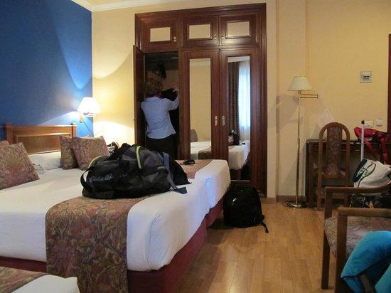 Hotel Comfort Dauro 2 : Closet With Safe