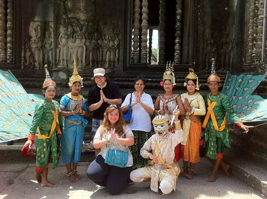 Navutu Dreams Resort & Wellness Retreat : At the famous Angkor wat...