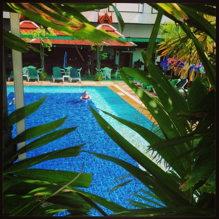 Empress Hotel: Pool