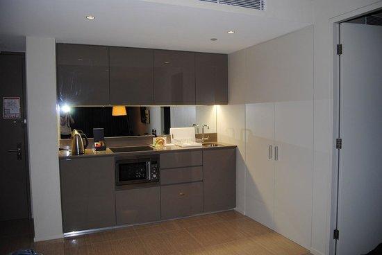 Fraser Suites Perth: kitchenette