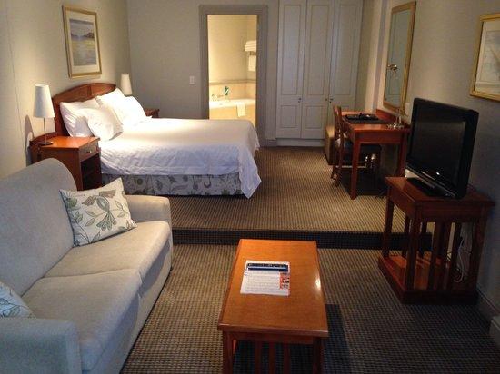 Protea Hotel by Marriott Port Elizabeth Marine: Bed room area
