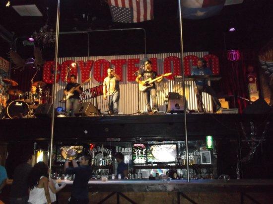 Grand Oasis Cancun: night club onsite