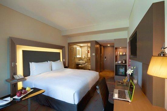Novotel Ahmedabad: Superior Room