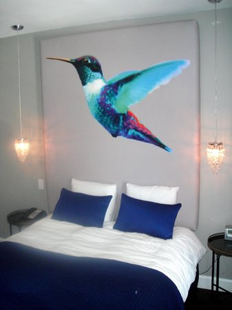 Crescent Hotel Beverly Hills: Hummingbird Bedroom