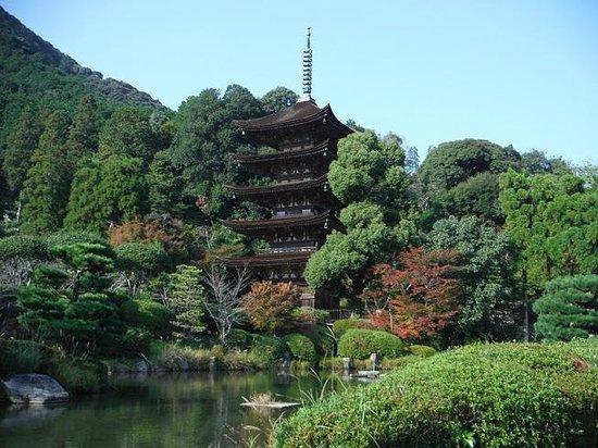 Ruriko Temple Five-Story Pagoda : 貴賓ある国宝瑠璃光寺五重塔