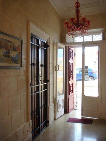 Villa Del Porto: вход в отель