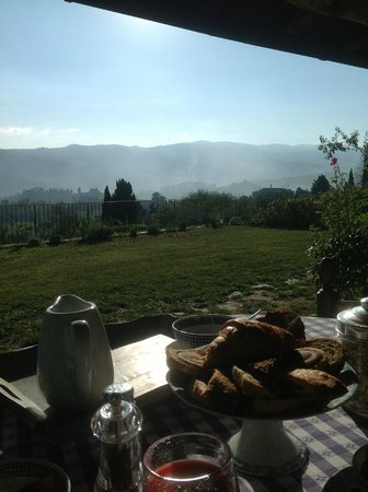 Agriturismo Podere Torre: view from breakfast table