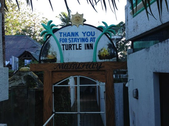 Turtle Inn Resort: Gate