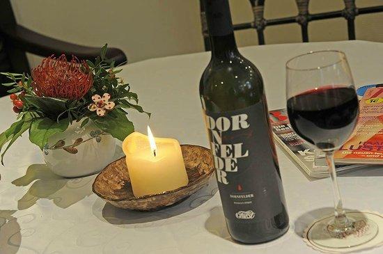 Hotel Garni St. Georg: Ein guter Schluck Wein