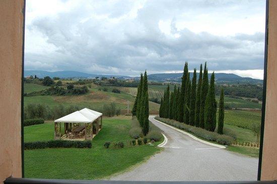 Relais Villa Grazianella - Fattoria del Cerro: view from room