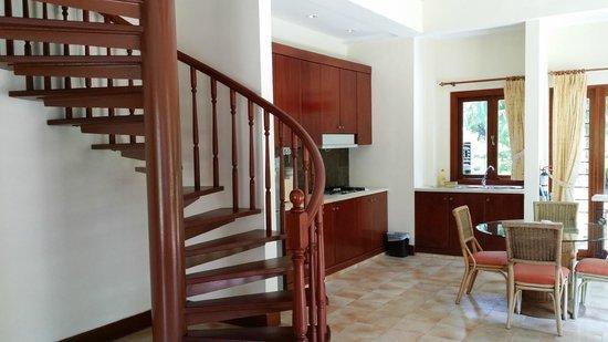 Nirwana Gardens - Banyu Biru Villas: spiral staircases to the rooms
